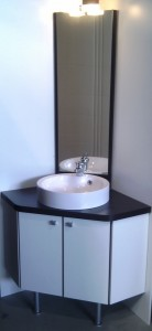 Okiban - Salle de bains : meuble angle